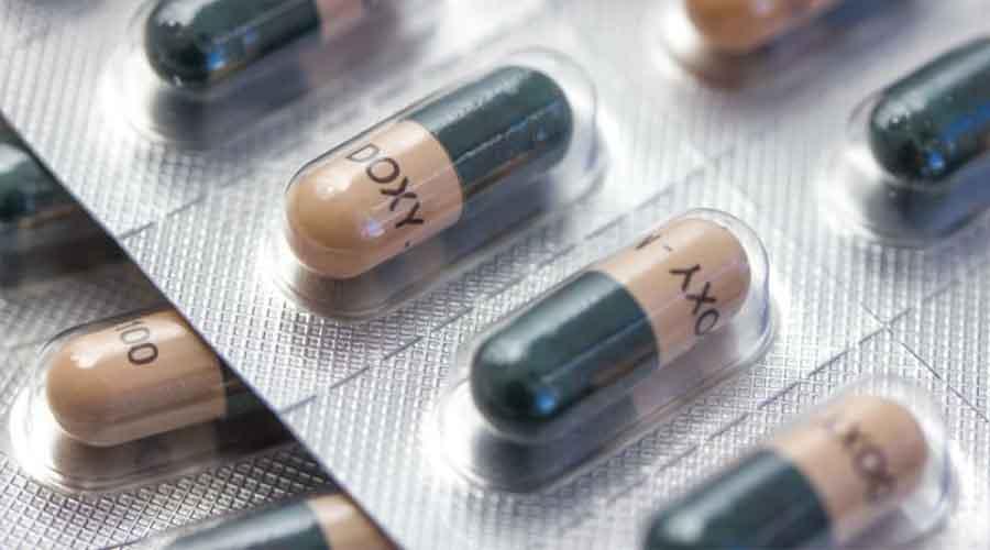 eva mulia - waspada bahaya menggunakan antibiotik untuk jerawat - bahaya antibiotik untuk kulit wajah - antibiotik untuk jerawat - cara menggunakan antibiotik
