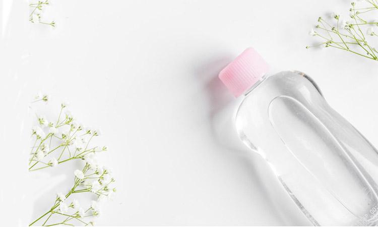 klinik eva mulia - manfaat baby oil untuk kulit