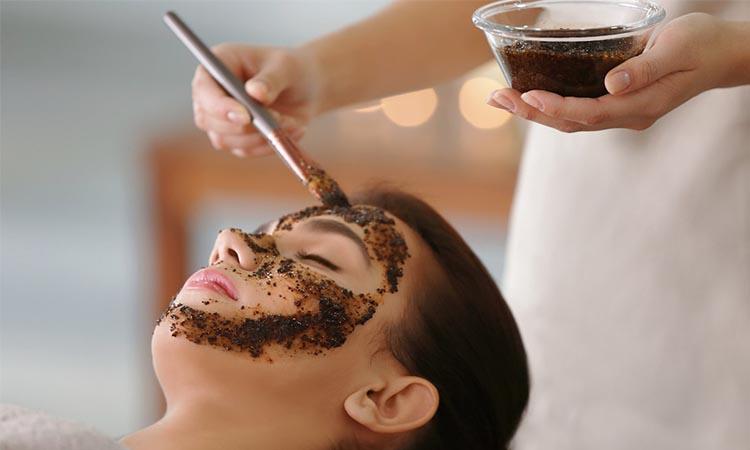 Eva Mulia Clinic - manfaat kopi untuk wajah