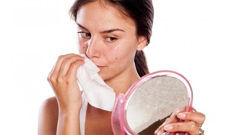 Eva Mulia Clinic - tisu basah untuk wajah