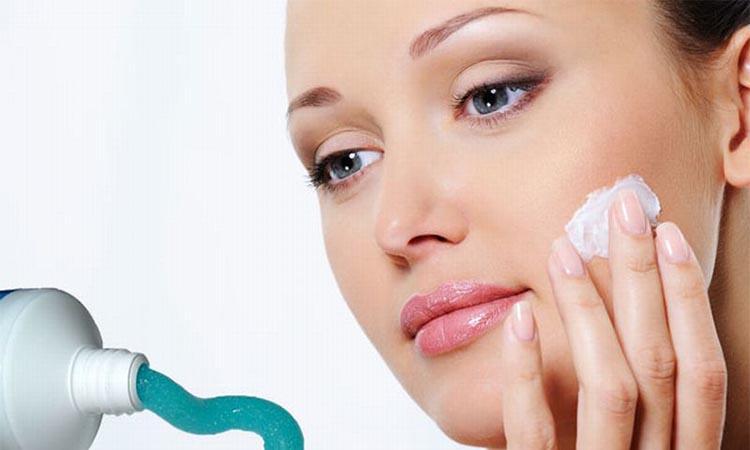 Eva Mulia Clinic - pasta gigi untuk wajah