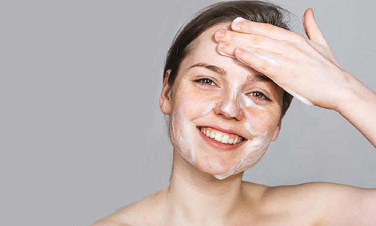 mengajarkan anak merawat kulit