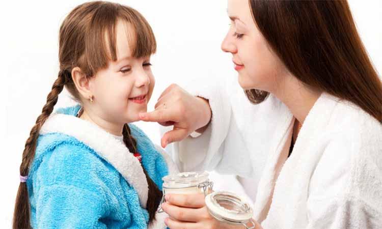Eva Mulia - mengajarkan anak merawat kulit