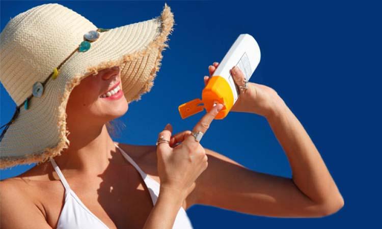 Eva Mulia Clinic - sunblock wajah