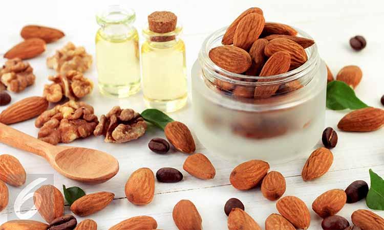 minyak almond untuk wajah