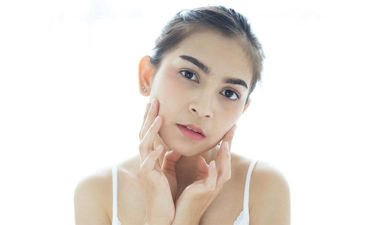 cara mengatasi kemerahan di wajah