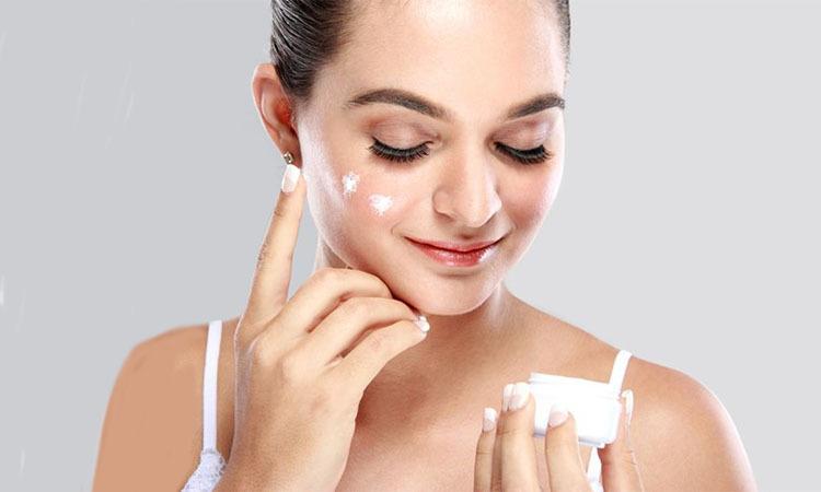 ciri krim pemutih wajah yang aman