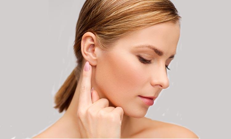 jerawat di belakang telinga