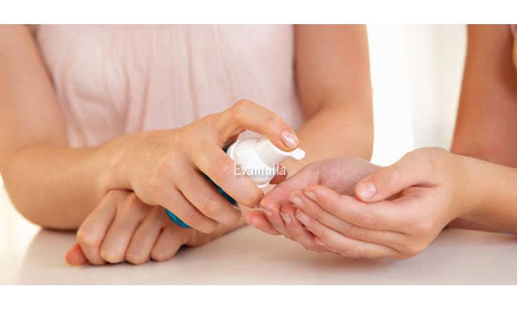 Eva mulia klinik - klinik eva mulia - klinik kecantikan - tips kecantikan - vitamin untuk kulit - vitamin kulit kering - Kekurangan vitamin kulit bisa membuat kulit wajah menjadi kering. Masalah kulit wajah kering tidak bisa dibiarkan begitu saja.