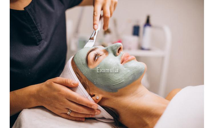 Eva Mulia - Klinik Kecantikan - Manfaat Rumput Laut Untuk Kulit - Perawatan Wajah - Tidak hanya menyehatkan untuk dikonsumsi, rumput laut juga memiliki manfaat untuk kulit serta kesehatan dan kecantikan kulit. Ternyata rumput laut juga merupakan salah satu bahan favorit untuk produk kosmetik dan perawatan kulit