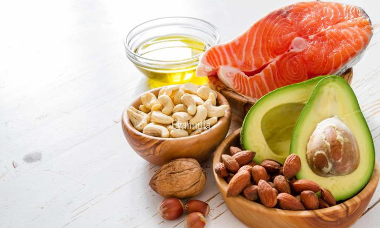 Eva Mulia - Klinik Kecantikan - Asam Lemak Esensial Untuk Merawat Wajah - Perawatan Wajah - Kulit membutuhkan berbagai nutrisi agar selalu sehat dan bersinar. Ini bisa didapat dari makanan, minuman atau produk perawatan yang kalian gunakan. Salah satu nutrisi yang dibutuhkan adalah asam lemak esensial, seperti omega 3 dan omega 6.