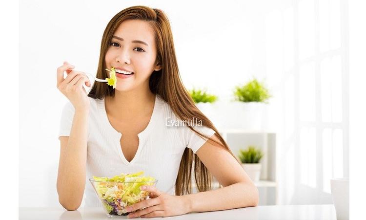 Eva Mulia - Klinik Eva Mulia - Makanan Sehat Untuk Diet Sehat - Tips Kecantikan - Bingung dengan semua saran nutrisi yang bertentangan di luar sana? Kiat-kiat sederhana ini dapat menunjukkan kepada Anda bagaimana merencanakan, menikmati, dan menjalankan diet sehat. Apa itu diet sehat? Makan makanan yang sehat bukan tentang batasan ketat, tetap kurus secara tidak realistis, atau menghilangkan makanan yang Anda sukai.