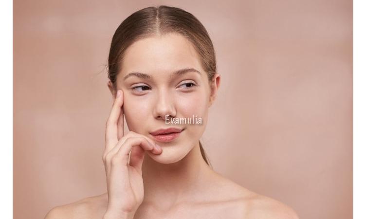Eva Mulia - Klinik Evamulia - Pilihan Masker Anti Penuaan Kulit - Perawatan wajah - Beberapa orang mungkin pernah juga merasakan manfaat masker alami pada wajah. Pada kenyatannya, masker alami mengandung senyawa yang dapat memberikan pengaruh baik untuk kulit. Seiring dengan bertambahnya umur atau usia kita, kulit kita pun akan ikut menua.