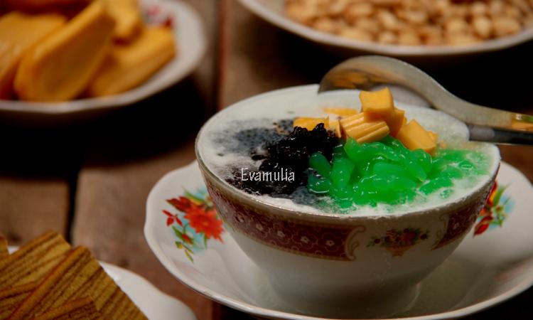 Eva mUlia - Klinik Evamulia - Perawatan Wajah - Makanan Manis Sehat Untuk Berbuka Puasa - Meskipun secara harfiah memiliki arti menyegarkan dalam berbuka takjil di Indonesia lebih identik dengan makanan yang digunakan untuk membatalkan puasa.