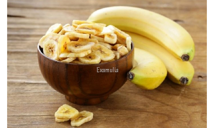 Eva Mulia - Klinik Evamulia - Perawatan Wajah - Manfaat Pisang Untuk Kesehatan - Buah pisang yang sudah matang pastinya amat nikmat untuk disantap. Dibalik rasanya yang manis, pisang mengandung nutrisi yang baik untuk kesehatan tubuh manusia. Manfaat pisang yang beragam bisa dengan mudah kita dapatkan dengan cara mengkonsumsinya.