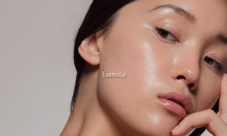 Eva Mulia - Klinik Evamulia - Paket Glowing For New Normal - Perawatan Wajah - Skincare biasanya menjadi bagian rutin dalam perawatan wajah kaum hawa. Biasanya tiap jenis skincare memiliki manfaat yang berbeda-beda. Mulai dari memperbaiki sel kulit rusak, melembapkan kulit, mengatasi jerawat, meremajakan kulit dan lain sebagainya.