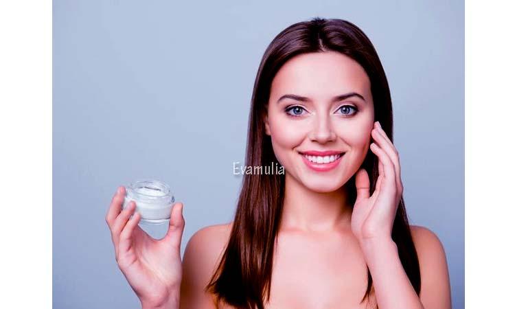 Eva Mulia - Perawatan Wajah - Jenis Krim Pemutih Wajah Aman di Gunakan- Krim pemutih wajah adalah salah satu cara atau bahan produk yang banyak dipilih pleh para wanita. Selain penggunaannya yang mudah, cara memutihkan wajah yang satu ini dapat memutihkan wajah dengn waktu singkat.
