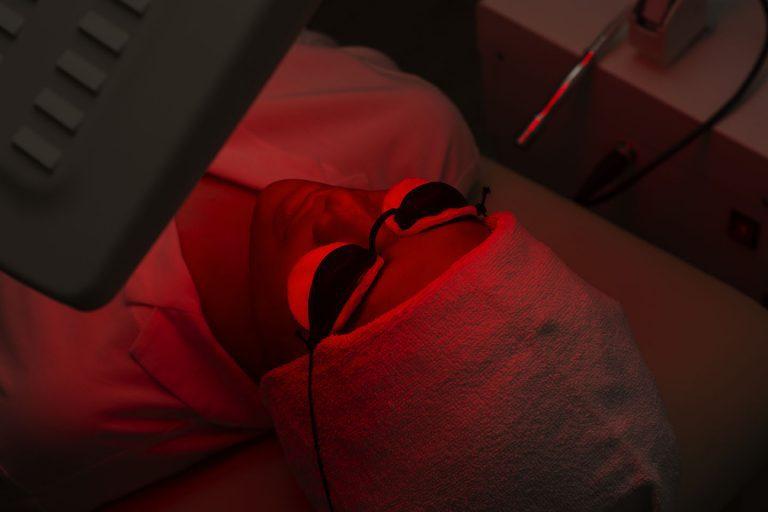 Glowing treatment with diamond peel eva mulia