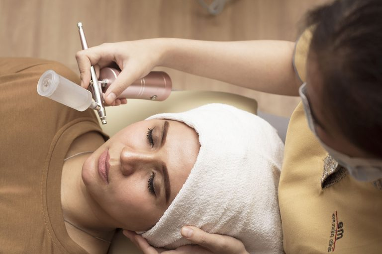 Advance glowing treatment with IPL